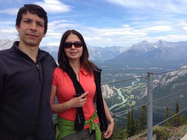 Jaime Chinchilla y su esposa Erika. Ellos viven en Brandon, Canadá.