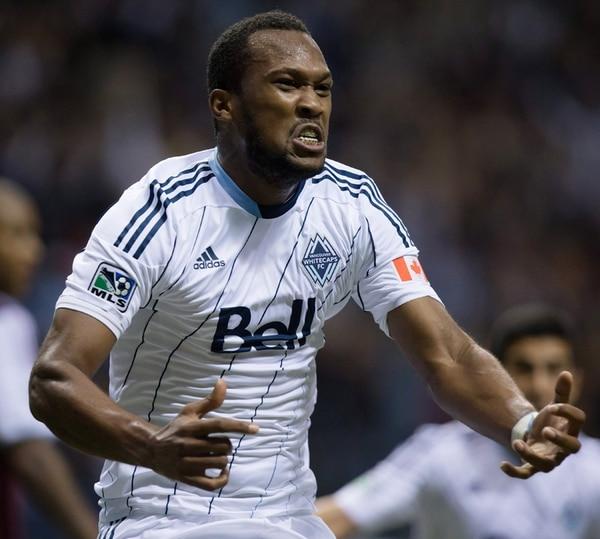 El zaguero costarricense Kendall Waston anotó el gol que selló el pase de su equipo, Vancouver Whitecaps, a la postemporada de la MLS. | AP