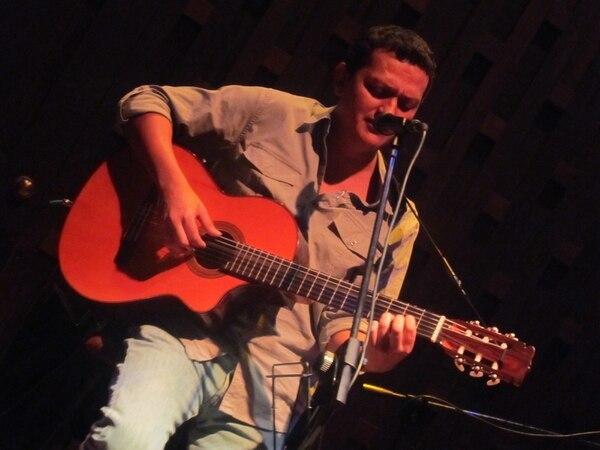 Esteban Monge abrió el concierto de Ismael Serrano en el 2008