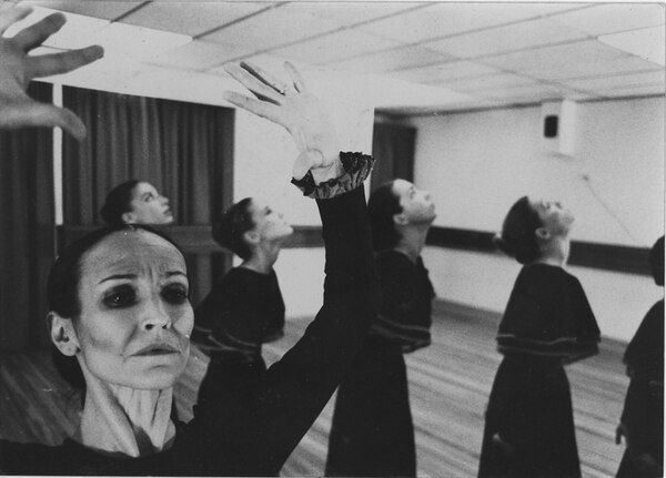 Éxito. La casa de Bernarda Alba fue una de las obras más importantes de la carrera de Cristina Gigirey. Teatro Nacional para La Nación.