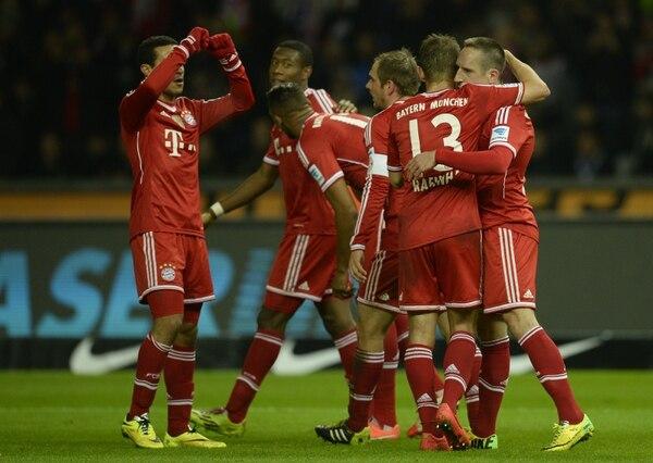 Jugadores del Bayern Múnich festejan uno de sus goles de este martes ante el Hertha de Berlín.