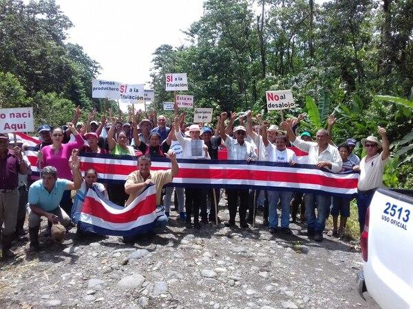 El bloqueo se realizó desde las 6 a.m. en la trocha fronteriza, en Fátima de Sarapiquí, 15 kilómetros al oeste de Delta Costa Rica.