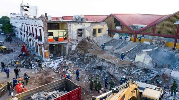 En Juchitán varios edificios se derrumbaron con el terremoto.