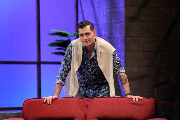 Miguel Angel Hernández ha llevado una carrera como actor de comedia y ahora pretende consagrarse como director. Este es su tercer montaje a cargo. Foto: Melissa Fernández
