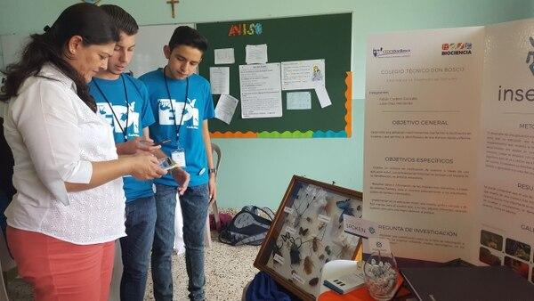 Julián Díaz y Fabián Cordero son estudiantes del Colegio Técnico Don Bosco. Su aplicación para identificar insectos fue la más gustada por el jurado de Biociencia 2016.