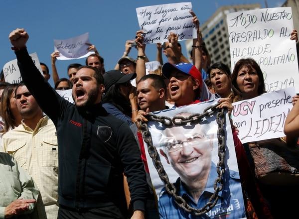 """El arresto del alcalde de Caracas, Antonio Ledezma, el jueves pasado, generó nuevas protestas en la capital venezolana. Ante la situación, la Asamblea Legislativa acordó ayer repudiar los actos de """"persecución política"""" suscitados en ese país suramericano.   AP"""
