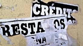 Empresa condenada por cobrar a cuatro personas deuda de un familiar