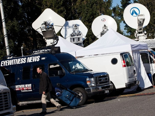 La prensa se preparaba hoy para el debate que tendrá lugar en pocas horas. | AFP