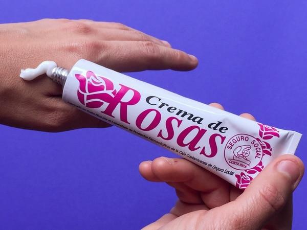 La crema de rosas es un producto fabricado desde hace 40 años por la CCSS.