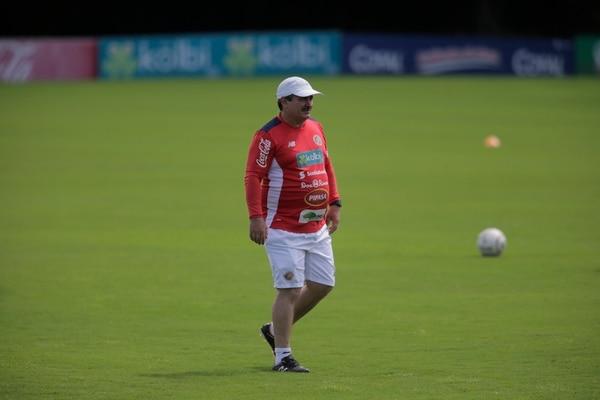 Óscar Ramírez defiende su estilo de juego.
