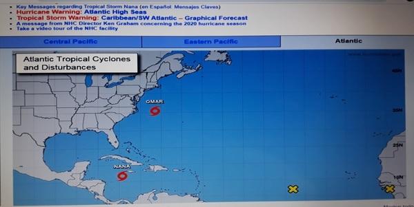 El Centro Nacional de Huracanes vigila la trayectoria de las tormentas Omar y Nana.
