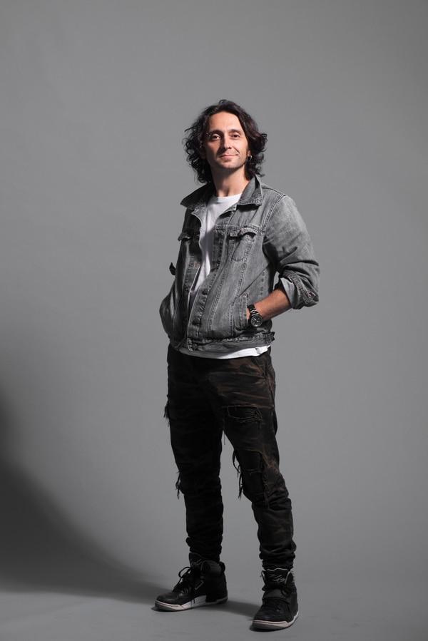 Luis Montalbert también es actor y compositor.