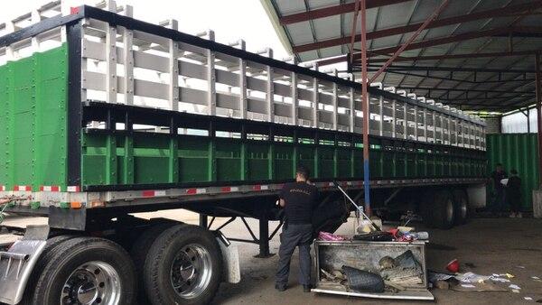 El 21 de febrero del 2018 se lograron decomisar 926 kilos de marihuana comprimida cuando la transportaban por Heredia, a bordo de un camión que pertenece al grupo condenado. Foto: OIJ para LN