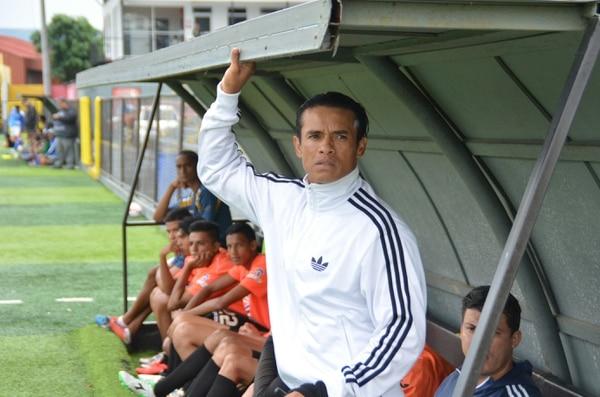 Wálter Centeno tuvo su primera experiencia como técnico de la Liga de Ascenso en el 2015 con Puntarenas.