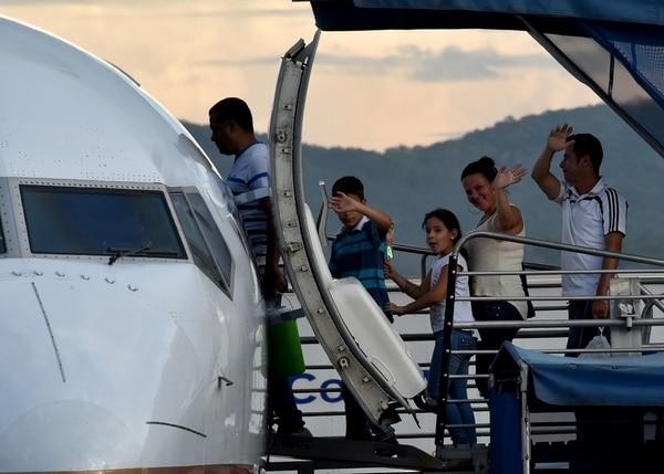 Migrantes cubanos parten de Panamá a Ciudad Juárez.   AFP