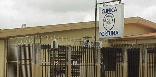 La niña fue trasladada grave hasta la Clínica de La Fortuna, donde falleció pese a las maniobras de resucitación practicadas.