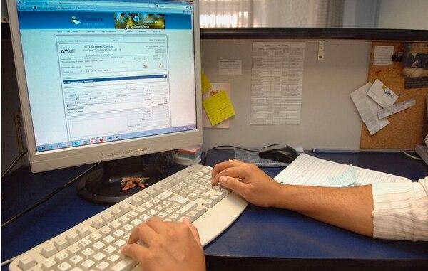 Más de 4.600 contribuyentes facturan de manera electrónica en la actualidad, según información del Ministerio de Hacienda. Sin embargo, todos estarán obligados a hacerlo en el 2017. | ARCHIVO.