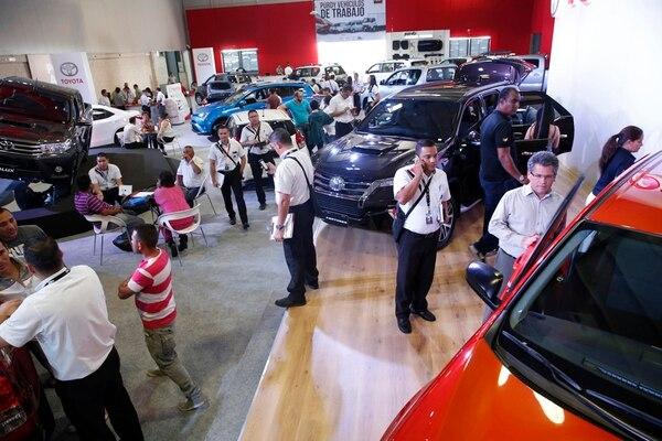 La importación de vehículos nuevos generaron al fisco ¢172.107 millones en ingresos el año pasado, 23% más frente al 2015. La Expomóvil es la principal vitrina para la comercialización de carros nuevos.