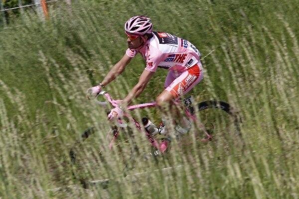 David Arroyo, compañero de Andrey Amador en el Caisse D'Epargne, se mantiene como líder del Giro de Italia. Alessandro Trovati / AP