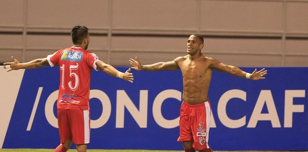 Cunningham le marcó a Árabe Unido en las semifinales de la Liga Concacaf.