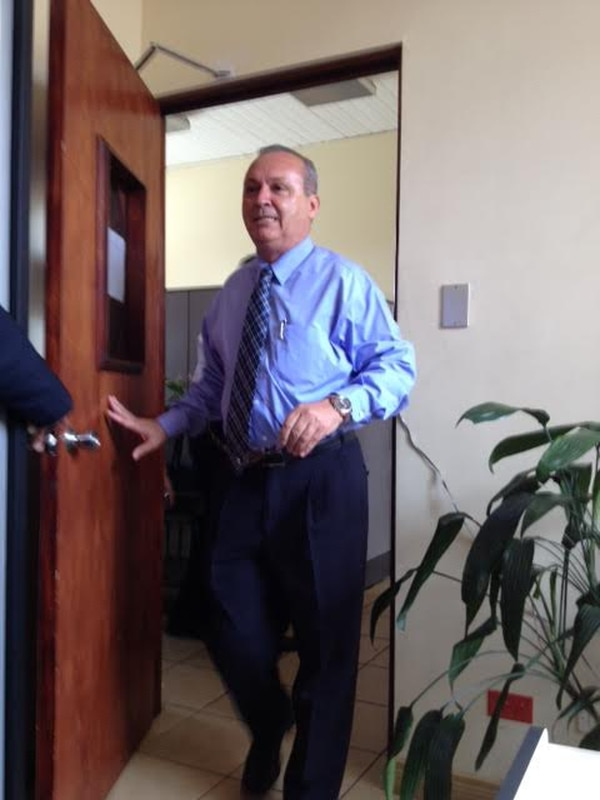 Wálter Céspedes salió de su oficina tras el allanamiento.