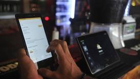 Restaurantes aprovechan datos de 'apps' de entregas para mejorar su operación y menú
