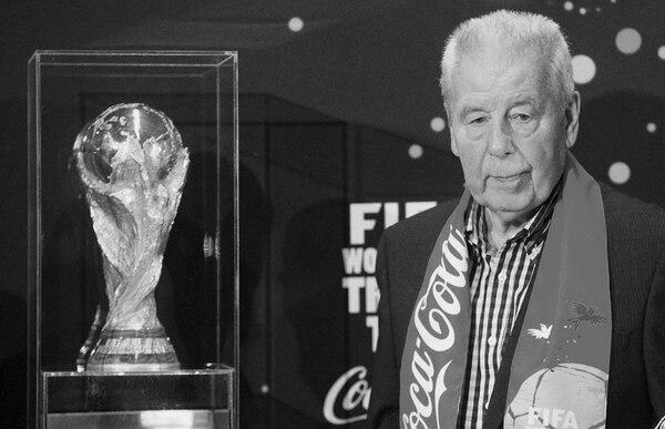 Tras retirarse, Masopust inició carrera como técnico de clubes y dirigió la selección checoslovaca entre 1984 y 1987. Esta foto es del 2014. | EFE