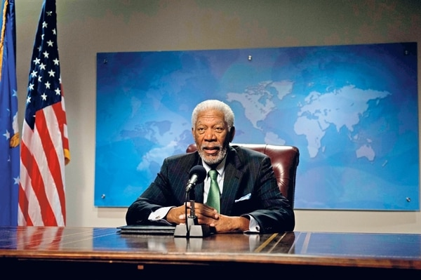 En la silla presidencial. Morgan Freeman hace el papel del presidente interino durante el rescate de los rehenes.   ROMALY PARA LA NACIÓN