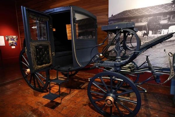 Según los restauradores, se respetó el diseño del carruaje y se conservaron las piezas originales que se encontraban en buen estado. Uno de esos detalles fue el color azul ultramarino.
