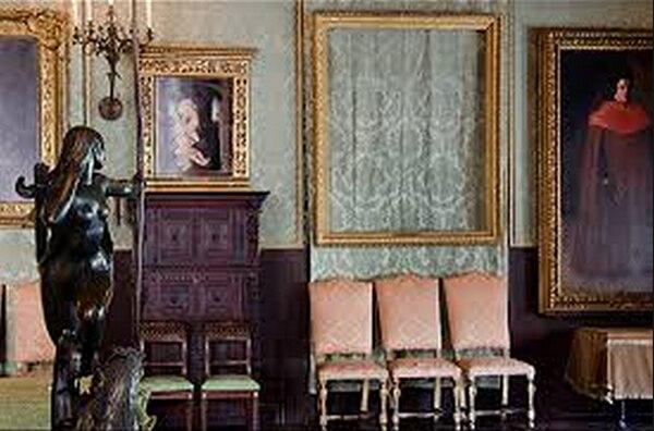 El museo Isabella Stewart Gardner aún mantiene marcos sin cuadros, como símbolo de que espera que las obras robadas regresen