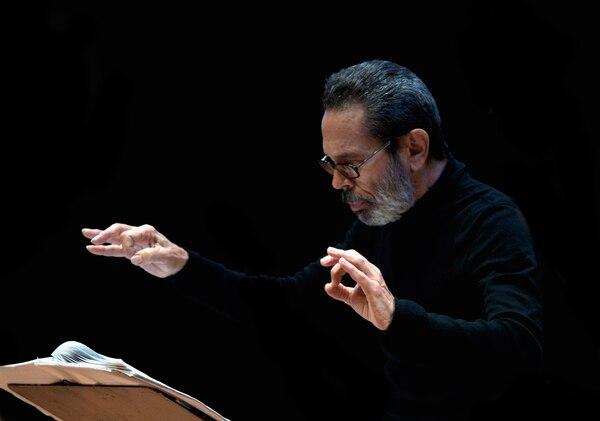Leo Brouwer se presentará el 26 y el 27 de octubre en Costa Rica. Foto: Cortesía La Orquesta CR.