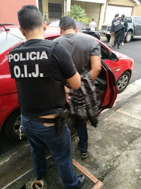 Este es uno de los 35 detenidos en el despliegue policial. Foto: OIJ para LN