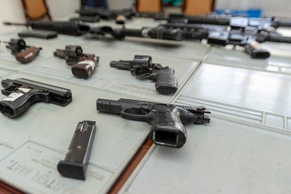 Armas que están bajo custodia de la Dirección de Armamento. Fotografía José Cordero