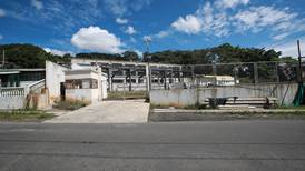Desmantelan escuela de ¢3.600 millones en Desamparados