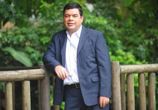 Marcelo Castro trabaja en Teletica desde hace 35 años.. Foto: Rafael Pacheco
