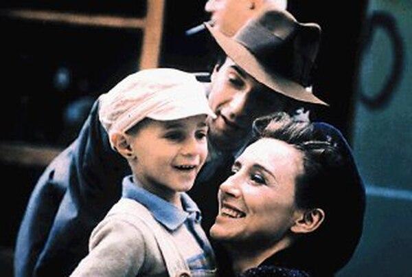 'La vida es bella' fue un fenómeno mundial que conquistó más de 50 premios internacionales, entre ellos tres estatuillas del Óscar. Foto: Miramax.