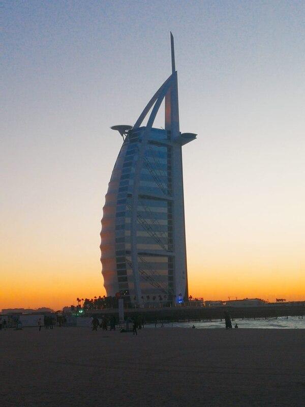 Uno de los atractivos de Dubái es el Burj Al Alab. Fotografía: María Ligia Sánchez Vega
