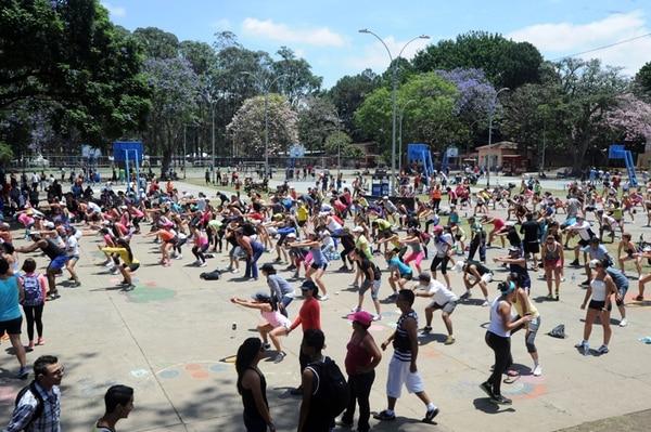 Una rutina de ejercicios no solo ayuda a mejorar la salud física, el riesgo de demencia también disminuye con la actividad física. | ARCHIVO