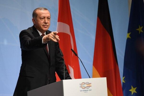 Erdogan defendió la soberanía del país con la compra de material militar en función de las necesidades de equipamiento.