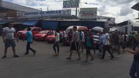 Unos 100 cubanos montan manifestación en Paso Canoas