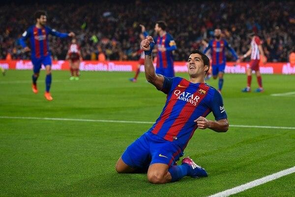 Luis Suárez celebra su anotación ante el Atlético de Madrid en el juego de vuelta de las semifinales de la Copa del Rey.