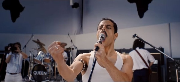 Rami Malek encarnando a Freddie Mercury en 'Bohemian Rhapsody'.