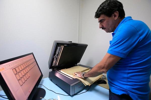Didier de la O trabaja como técnico en digitalización en el Archivo Nacional, ente del Ministerio de Cultura que funciona como rector del Sistema Nacional de Archivos.