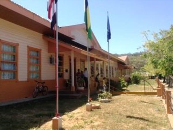 La escuela Delia Oviedo Acuña sirve como villa en los XXXIII Juegos Deportivos Nacionales.