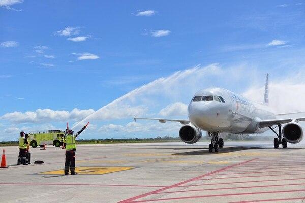 El vuelo de American Airlines llegó a las 11:30 a.m. desde Nueva York. Foto: Cortesía del ICT