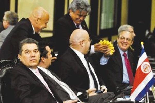 El jefe del PLN, Fabio Molina, aseguró que ninguno de sus 23 compañeros apoyará el resello. | ARCHIVO
