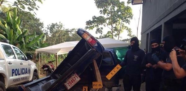 Los 100 kilos de cocaína que incautaron las autoridades, estaban ocultos debajo del cajón del vehículo. | CORTESÍA MSP.