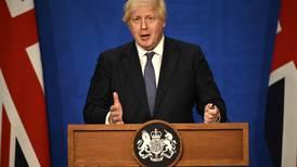 """Boris Johnson vende su """"revolución industrial verde"""" en busca de inversiones multimillonarias"""