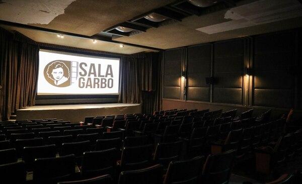 La Sala Garbo ahora tiene un proyector digital. Se espera que pronto se renueve también el sistema de sonido. Foto: Jeffrey Zamora