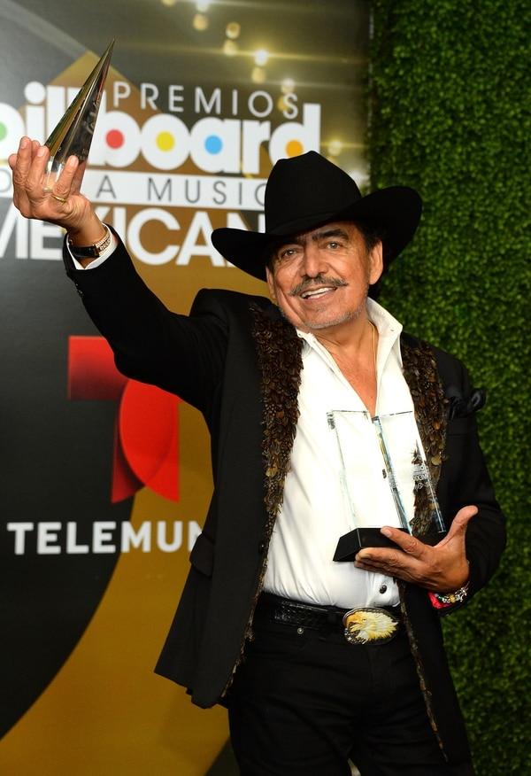 En el 2013 el cantante Joan Sebastian fue galardonado como el artista del año por los premios Billboard de México.